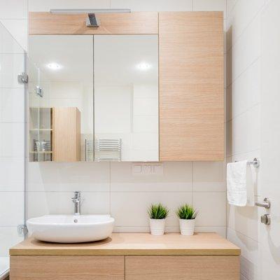 skrinky v kúpeľni